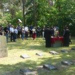 Парастос на ратном гробљу Лукенвалде